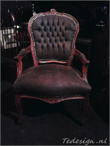 Bruine barok stoel for Barok stoel