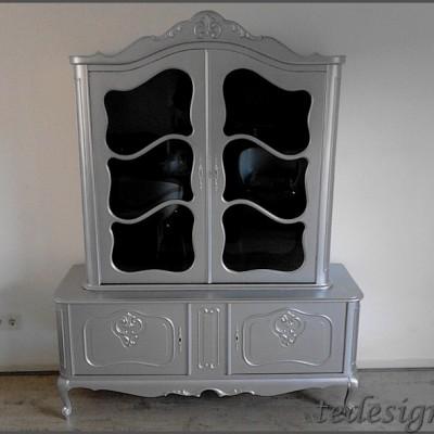 vitrinekast barok in het zilver