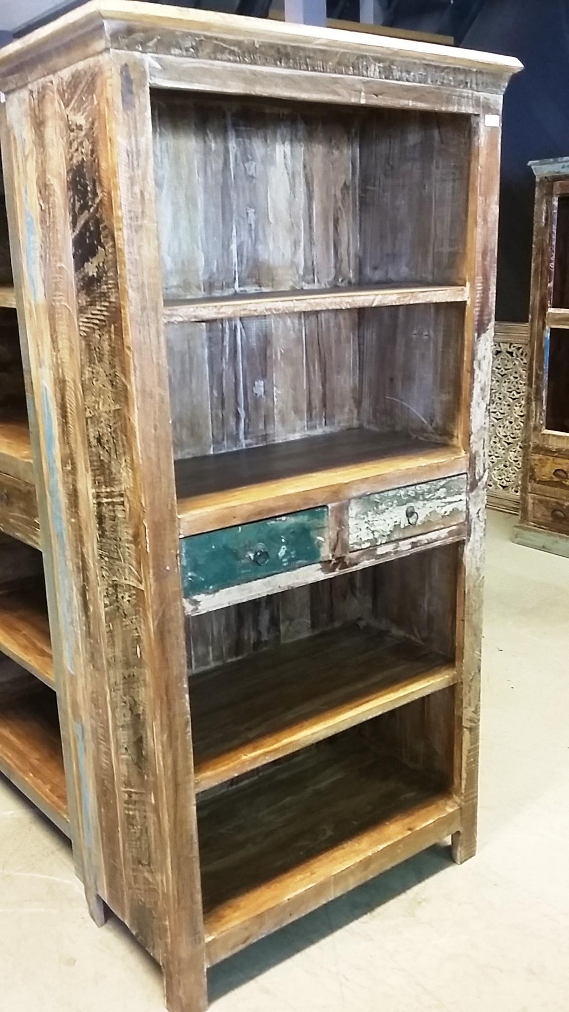 boekenkast van sloophout